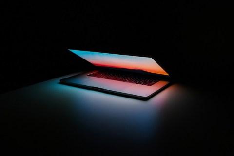 Как перенести док-станцию на другой монитор на Mac