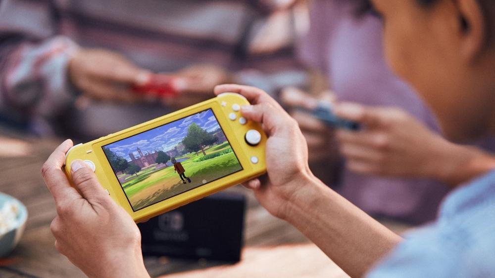 Nintendo Switch Обзоры Lite практического обзора: ранний взгляд на устройство перед его сентябрьским выпуском