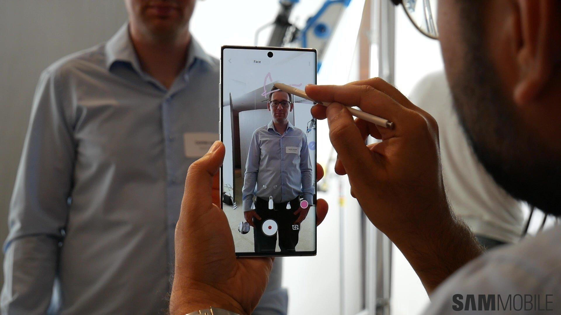 [Video] Galaxy Note  10 /Note 10 Plus практический: 1-2 удара Samsung 4