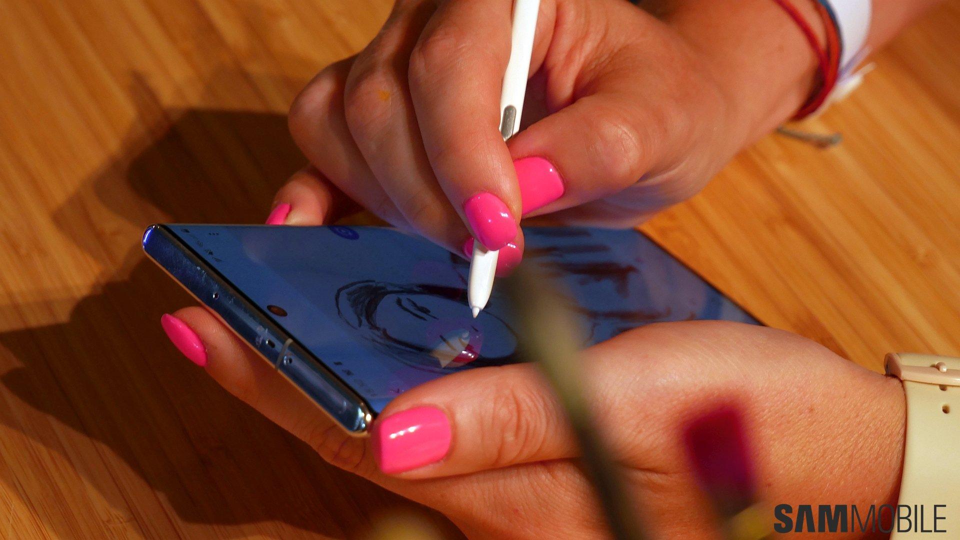 [Video] Galaxy Note  10 /Note 10 Plus практический: 1-2 удара Samsung 6