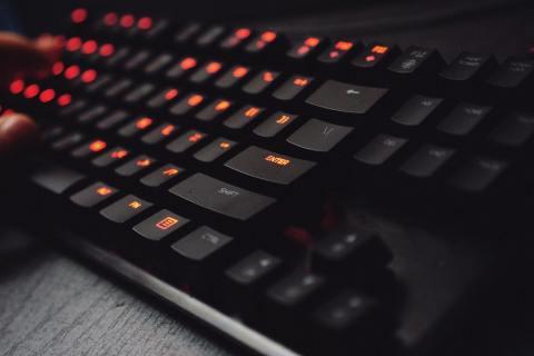 Лучшие беспроводные механические клавиатуры