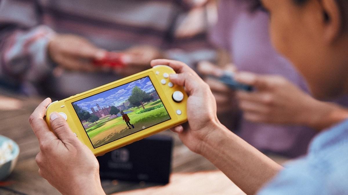 Несколько Nintendo Switch Владельцы Lite уже сообщают о проблемах управления дрейфом