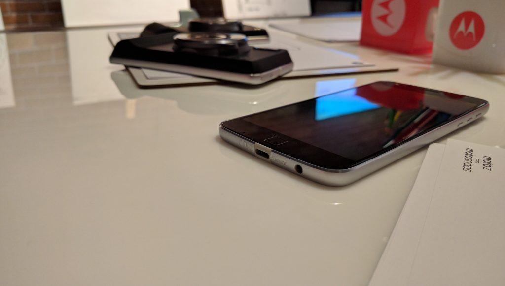 Первые впечатления Moto Z Play