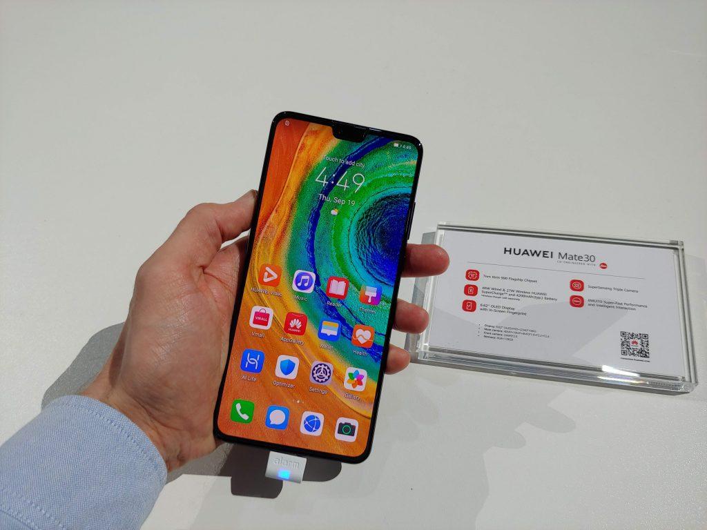 Руки на: Huawei Mate 30