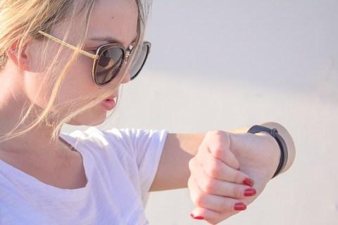 Как соединить Fitbit Versa с iPhone