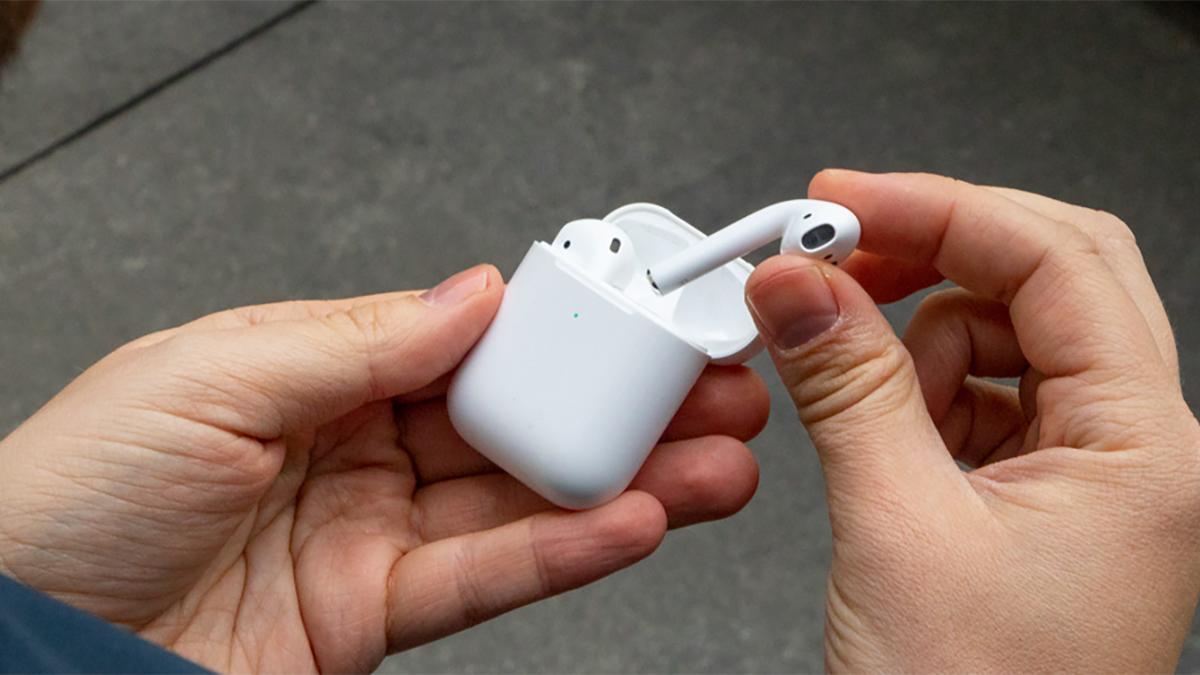 новый Apple AirPods 2, видимо, обнаружен в просочившемся изображении