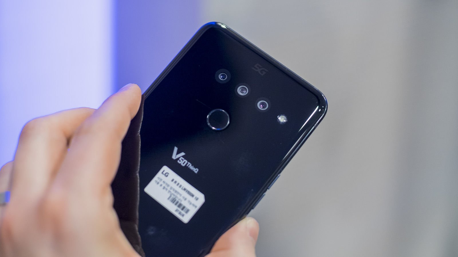 Обзор LG V50 ThinQ 5G 2