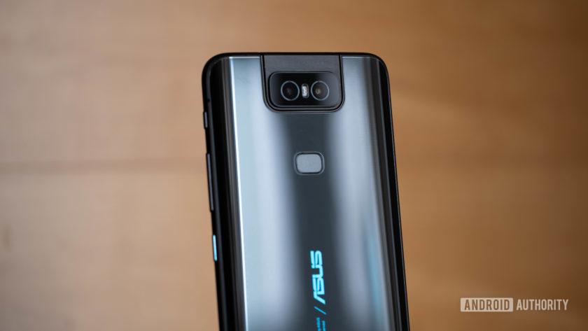 Asus Zenfone 6 - задняя часть устройства