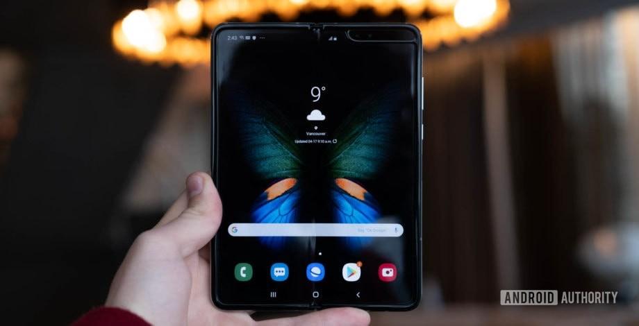 Samsung Galaxy Fold  долговечность превосходит ожидания ... вид