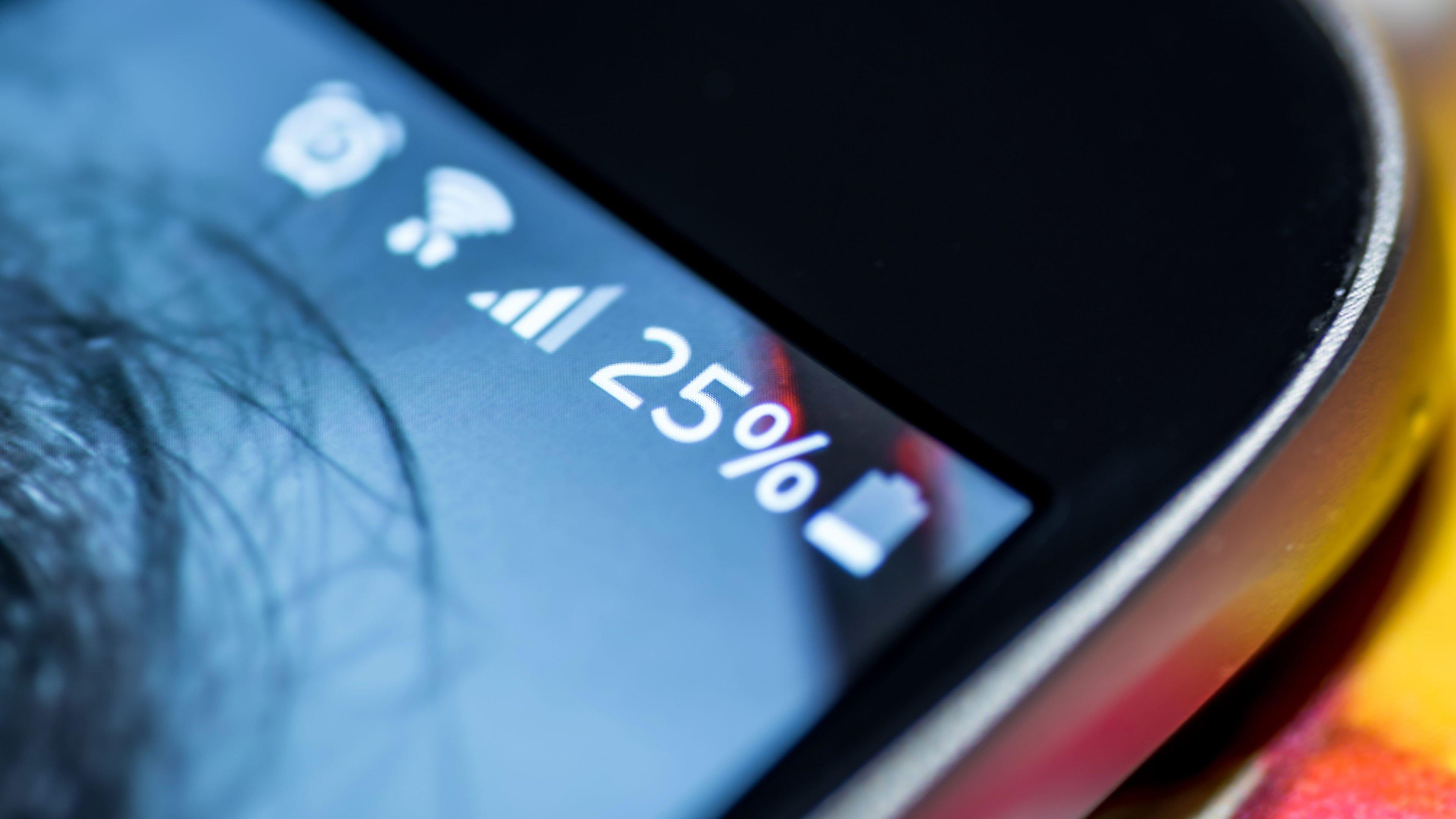 Что делать, когда телефон не заряжается? Смотрите 5 советов