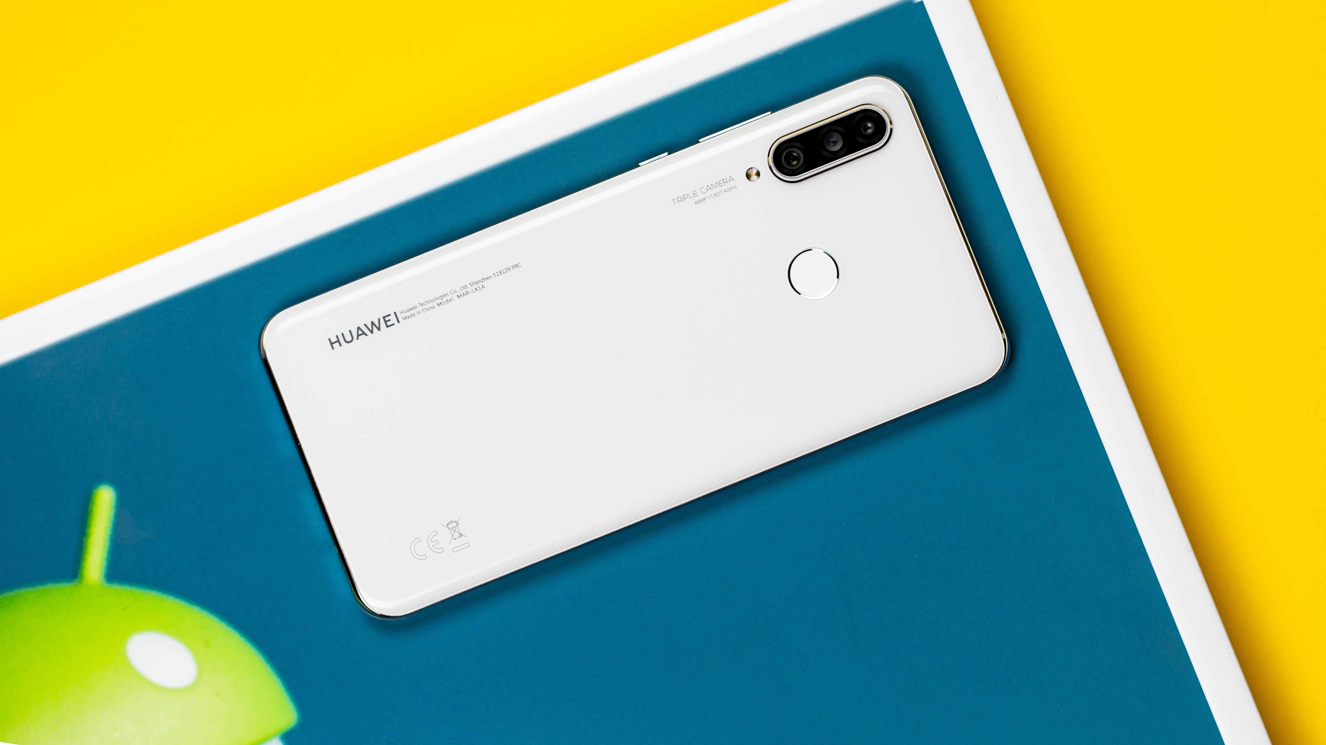 Мы хотим знать: вы бы купили смартфон без сервисов Google?
