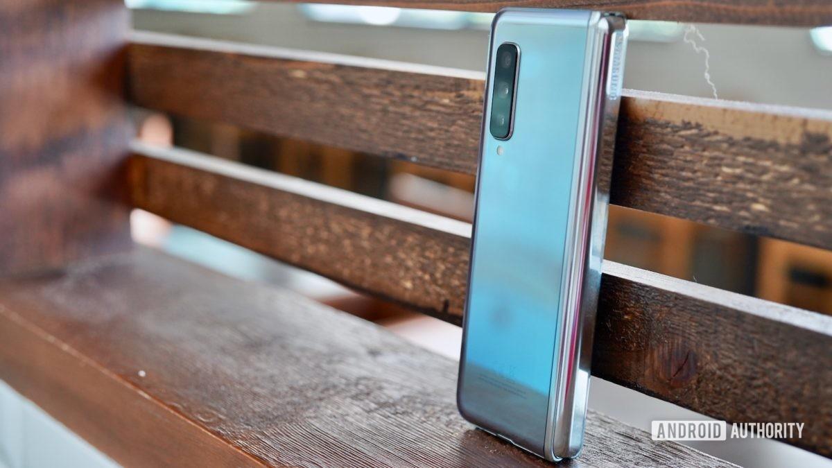 Samsung Galaxy Fold  Отзыв закрыт в покое