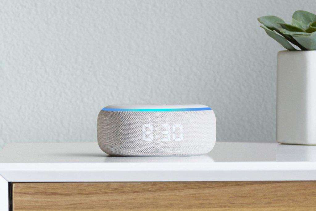 Amazon  Hardware Event 2019 - Эхо-точка с часами