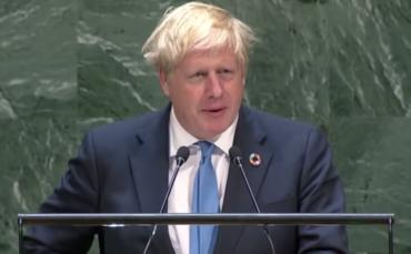Борис Джонсон предупреждает о «розовых глазах Терминаторов» и «беспомощных цыплятах» в бессвязной речи ООН