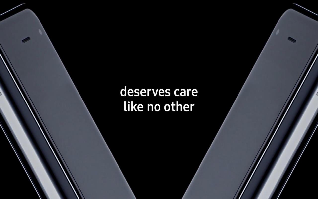 Galaxy Fold  получает специальное видео о том, как позаботиться об этом