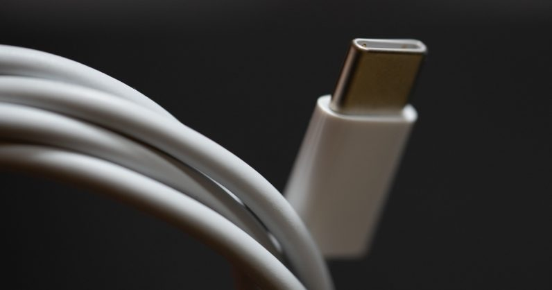 USB 4.0 обеспечивает поддержку скорости передачи 40 Гбит / с 1
