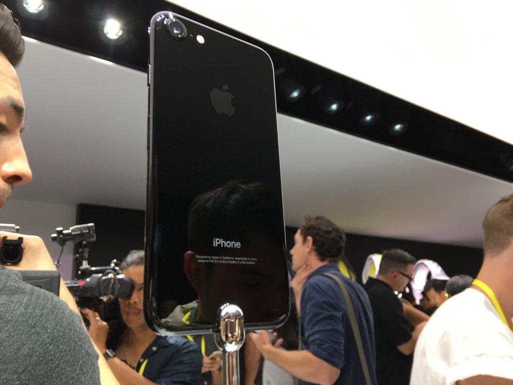 iPhone 7, старый знакомый, который выучил много новых трюков